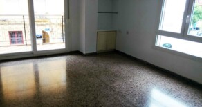Flat with garage on sale next to Patraix sports center – Ref. 281
