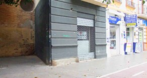 Small commercial premise for rent in Jesús square – Ref. A125
