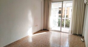 Sunny flat on sale next to Jesús underground station – Ref. 344
