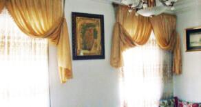 Piso con balcón y techos altos en venta en Jesús – Ref. 109
